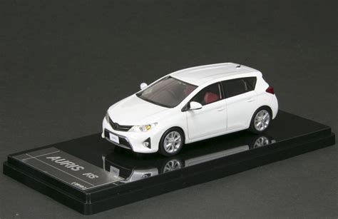 wits ct toyota auris rs  package  white
