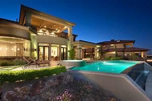 Stock market swoon stalls luxury home sales