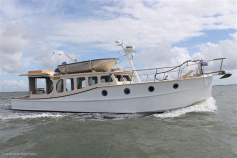 Motor Boats For Sale Brisbane by Bay Cruiser 42 Timber Classic For Sale Yacht And Boat