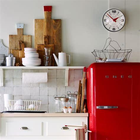 cuisine avec frigo smeg tendance le frigo smeg frenchy fancy