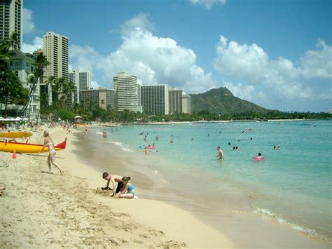 File:Waikiki Beach Honolulu.JPG - Wikimedia Commons