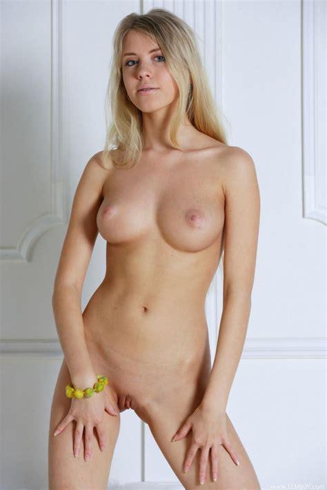 Kim shaw nude - Xpicse.com