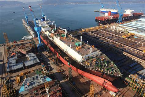 hyundai heavy industries shedding jobs  core