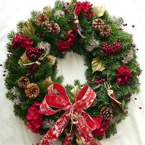 hot hot hot christmas wreath scottish christmas trees