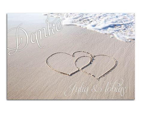 maritime dankekarte mit herzen im sandstrand  meer love