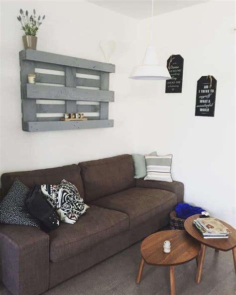 Come Costruire Una Mensola In Legno by Pallet Libreia Fai Da Te Decorare Una Parete Con Bancale