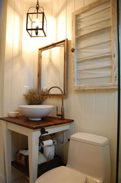 Country Rustic Bathrooms by Best 25 Small Rustic Bathrooms Ideas On Small