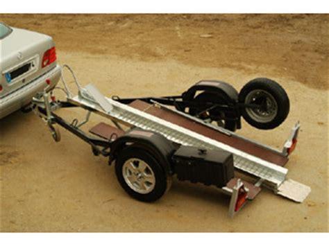 remorque essieux freinée remorques charnoud moto detail remorque porte moto tt ptc 500 kg