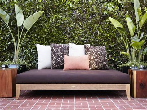 Outdoors Bed :  Style And Comfort Maker For Your