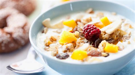 Late Breakfast And Early Dinner Helps To Fight Flab