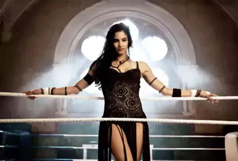 female actress in the mummy 2017 is the mummy 2017 actress sofia boutella white quora