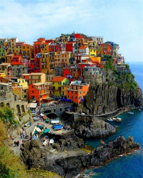 italy colorful houses cinque terre colorful houses italy rock image 14991