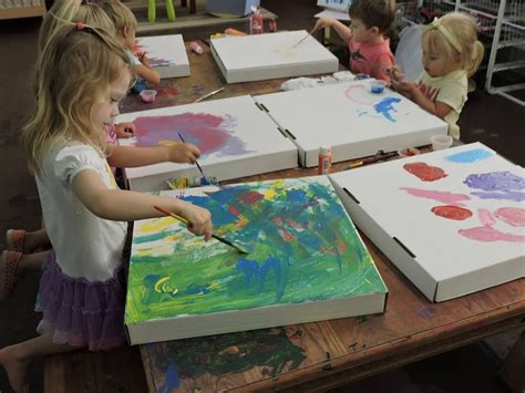 recycled pizza boxes as canvas discovery early learning 668 | 2473892d38dd89da6cdf84fd2b1b4719