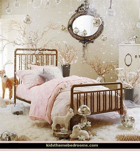 Decorating theme bedrooms Maries Manor: arctic Bedroom