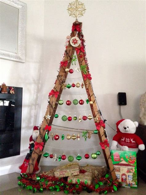 ladder christmas tree ideas  pinterest diy