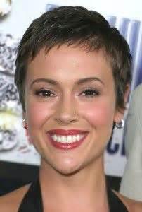 coupe cheveux court femme visage rond coiffure pour visage rond et cheveux raides coiffures