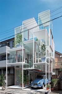 全面ガラス張りで、いろんな意味でみるものの眼を奪う東京にある建築物「House NA」