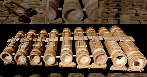 Dalam permainannya, alat musik kecapi memiliki 5 tangga nada utama yaitu da, mi, na, ti, la. 10 Alat Musik Tradisional Sunda - PosBaru