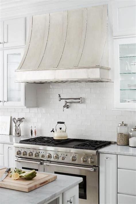 Best 25  Kitchen hoods ideas on Pinterest   Kitchen hood