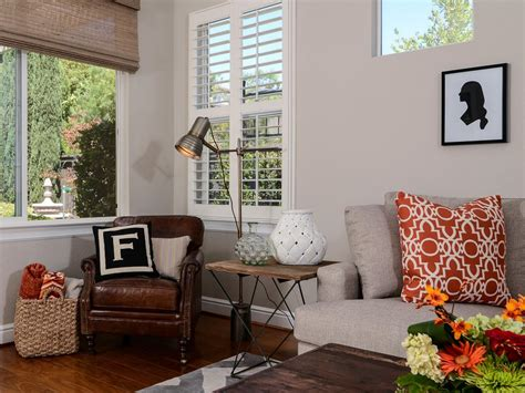 Reading Lamps For Living Room : Living Room Reading Nook With Leather Chair