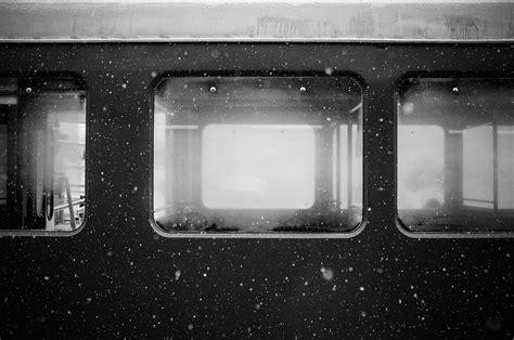 gambar cahaya hitam  putih jalur kereta api jalan