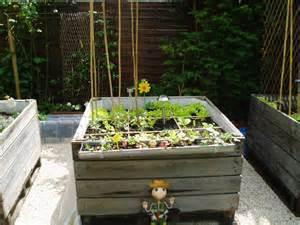 Jardin En Carré Bois by Mes P Tites Croix 187 Jardin Potager En Carr 195 169