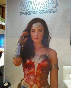 """""""Wonder Woman 1984"""" new poster, more colorful costumes ..."""