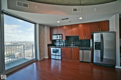kitchen in green atlanta 1 1 with jaw dropping northern city views 1820