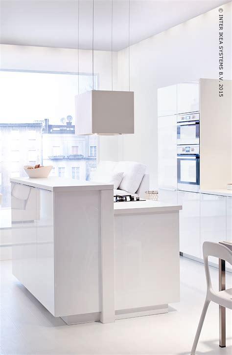 ikea hotte cuisine une cuisine minimaliste hotte aspirante läckerbit cuisines ikea storage and