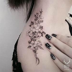 The 25+ best Flower shoulder tattoos ideas on Pinterest ...