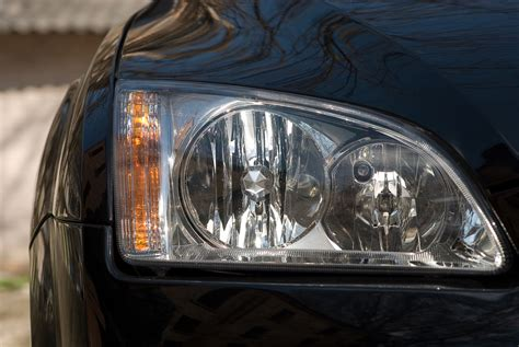 auto glass pros offer facts about headlight restoration
