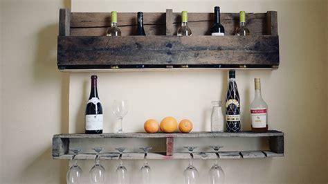 construire un ilot central cuisine se créer un mini bar en bois de palettes