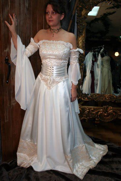 vendre robe de mariã e cherche robe de mariée a vendre t 46