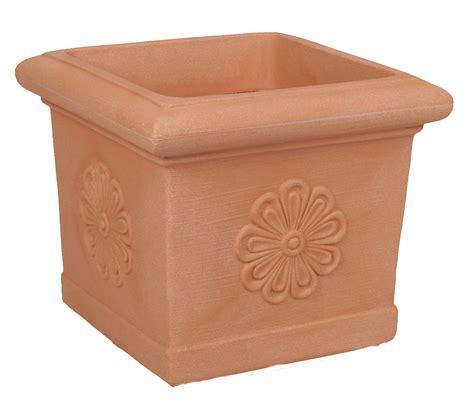 pot carr 233 imitation terre cuite avec frise poterie pots de fleurs design d 233 co boutique