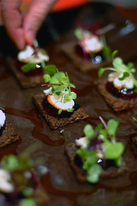 canapé toff goat cheese baby beet canapé balsamic glaze and