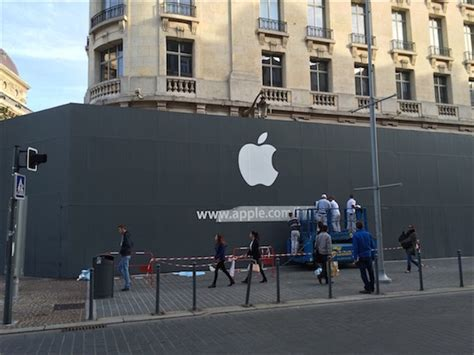 apple retail store lille france opening
