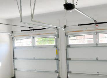 tai tais garage doors  locksmith