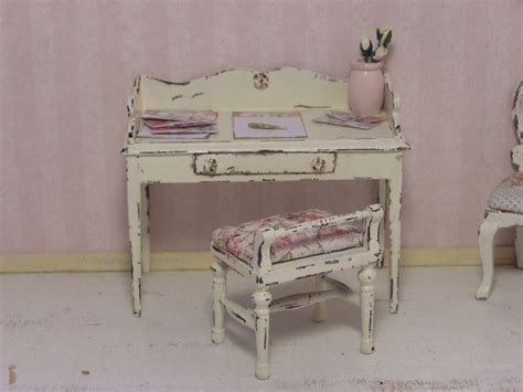 shabby chic writing 1000 images about dollhouses miniatures ladies writting desk on pinterest miniature