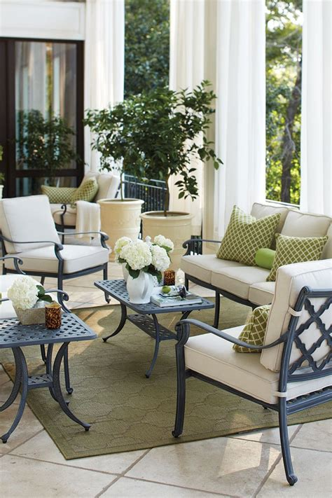 Small Porch Chairs by 15 Ways To Arrange Your Porch How To Decorate