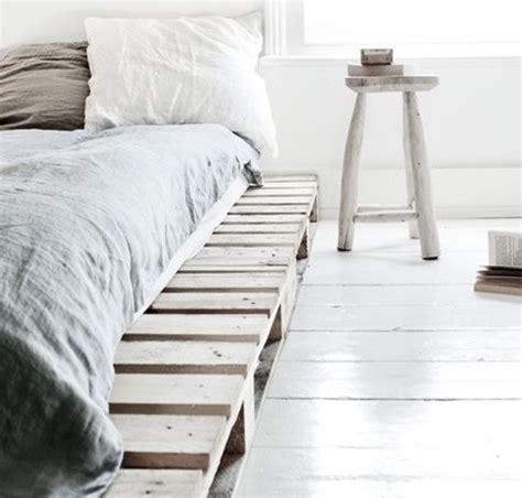21 Ideen Fuer Palettenbett Im Schlafzimmerniedriges Palettenbett 2 by 21 Ideen F 252 R Palettenbett Im Schlafzimmer In 2019 Home