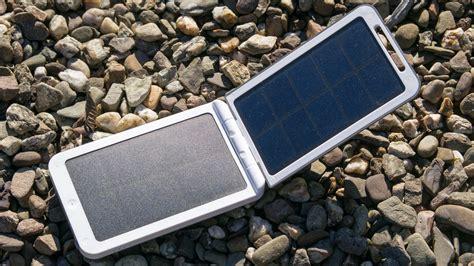powerbank solar test die beste solar powerbank auf dem markt xtorm am120 lava 2 solar charger review techtest