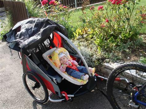 velo siege bebe remorque vélo bébé intersport 123 remorque
