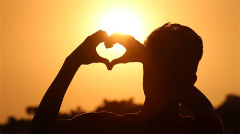 romantic love sunset silhouette   ultra hd preview wallpapercom