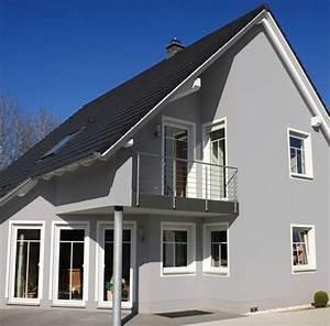 Welche Weiße Farbe Deckt Am Besten : fileadmin m 1 2 6 3 farbe wirkung img fassade ~ Markanthonyermac.com Haus und Dekorationen