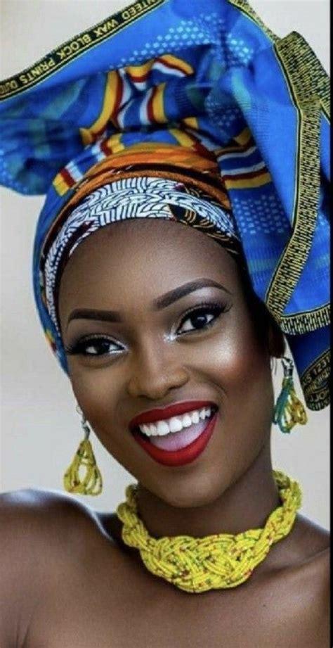 wunderschoene  head wraps fuer afroamerikanische frauen