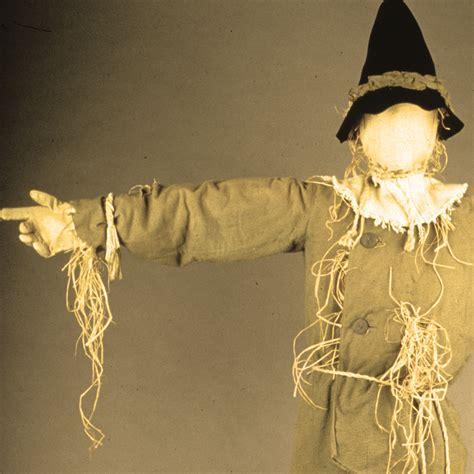 reunite dorothy  scarecrow national museum