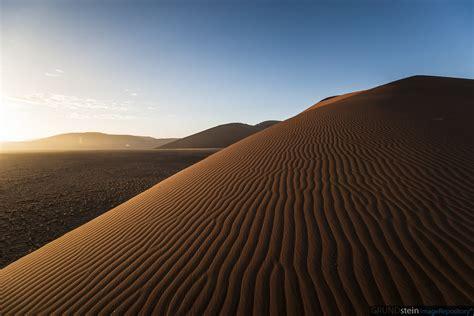 sossusvlei dune namibia sunrise sossusvlei namib nauk flickr