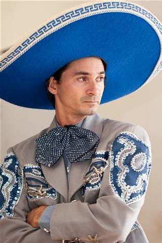 history  mexican clothing traditional styles  materials historyplex
