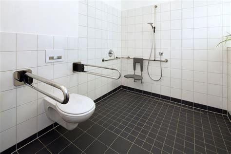 dusche barrierefrei fliesen barrierefrei duschen anforderungen an die dusche