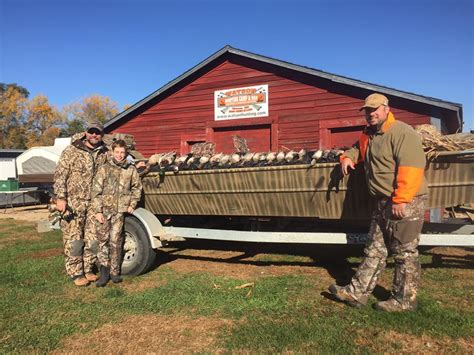 Duck Hunting Boats Minnesota by Duck Hunting Guides Minnesota Watson Hunting C Bar